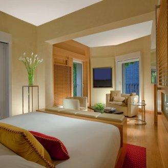 Hotel Raphael room