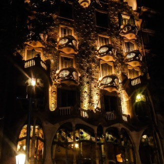 Casa Batllo night