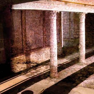 Domus Roman columns