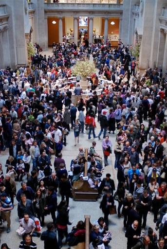 crowded Met